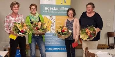 Langjährige Jubiläen (v.l.n.r.): Fränzi Bachofen (10 Jahre), Katharina Grossmann (5 Jahre), Veronika Zimmermann (20 Jahre), Edith Bütler (10 Jahre).