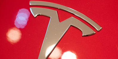 Tesla prescht mit dem Betriebsgewinn in die Liga von Automobilgrössen wie General Motors und Ford vor. (Archivbild)