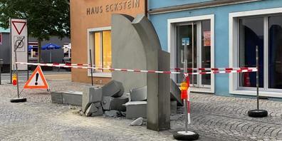 Das in Rheineck schlicht «Torbogen» genannte Eingangstor zur Hauptstrasse, das ist nicht mehr.